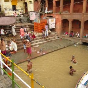 Bathers in the Ganga